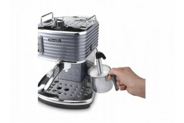 Кофеварка эспрессо Delonghi Scultura ECZ351.GY 1100Вт серый/серебристый